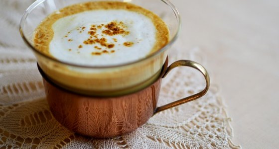 Golden Milk: proprietà e benefici della bevanda miracolosa Ayurvedica