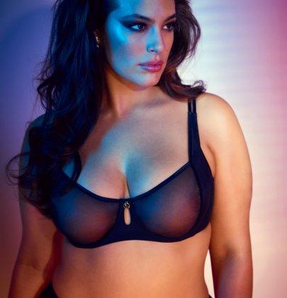 Accuse contro la modella curvy Ashley Graham