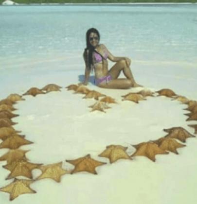 Uccide 31 stelle marine solo per farsi un selfie