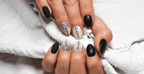 differenza tra smalto semipermanente e unghie in gel